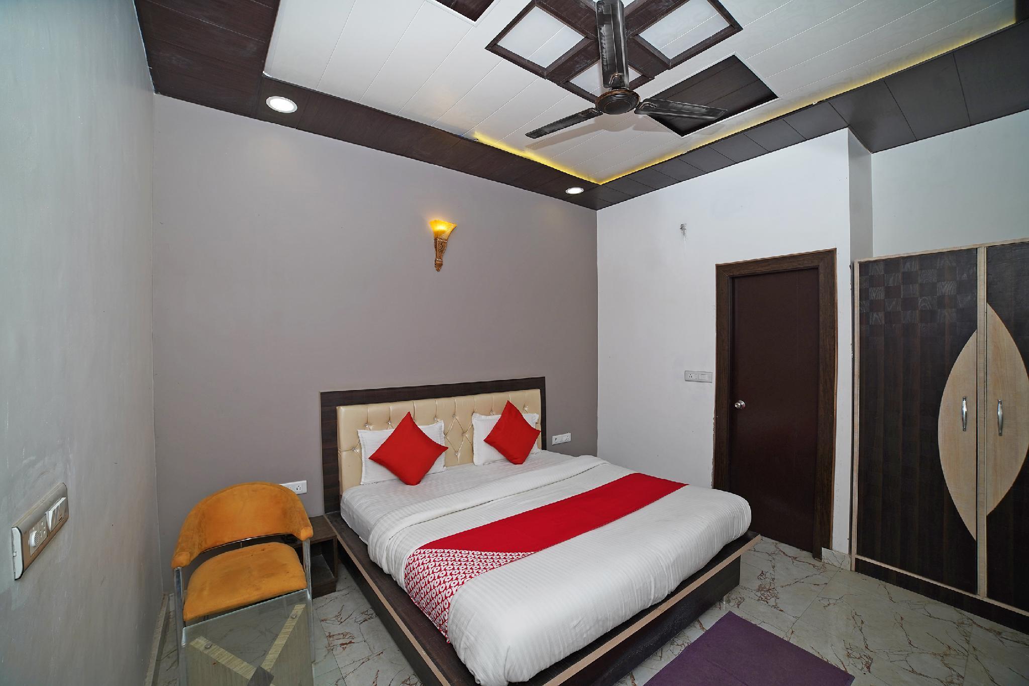 OYO 44029 Khalsa Hotel And Restaurant