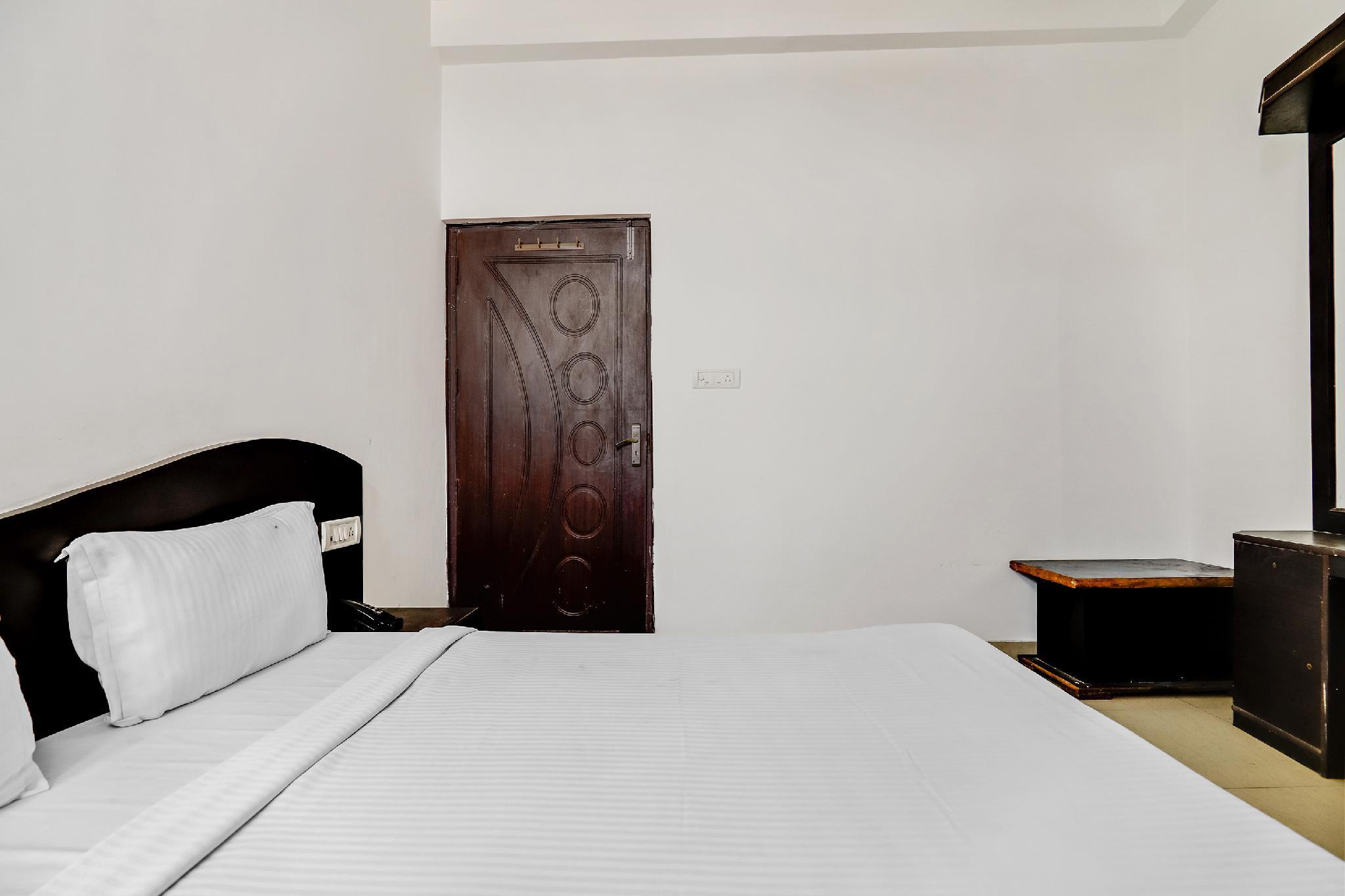 SPOT ON 60775 Hotel Shree Krishna
