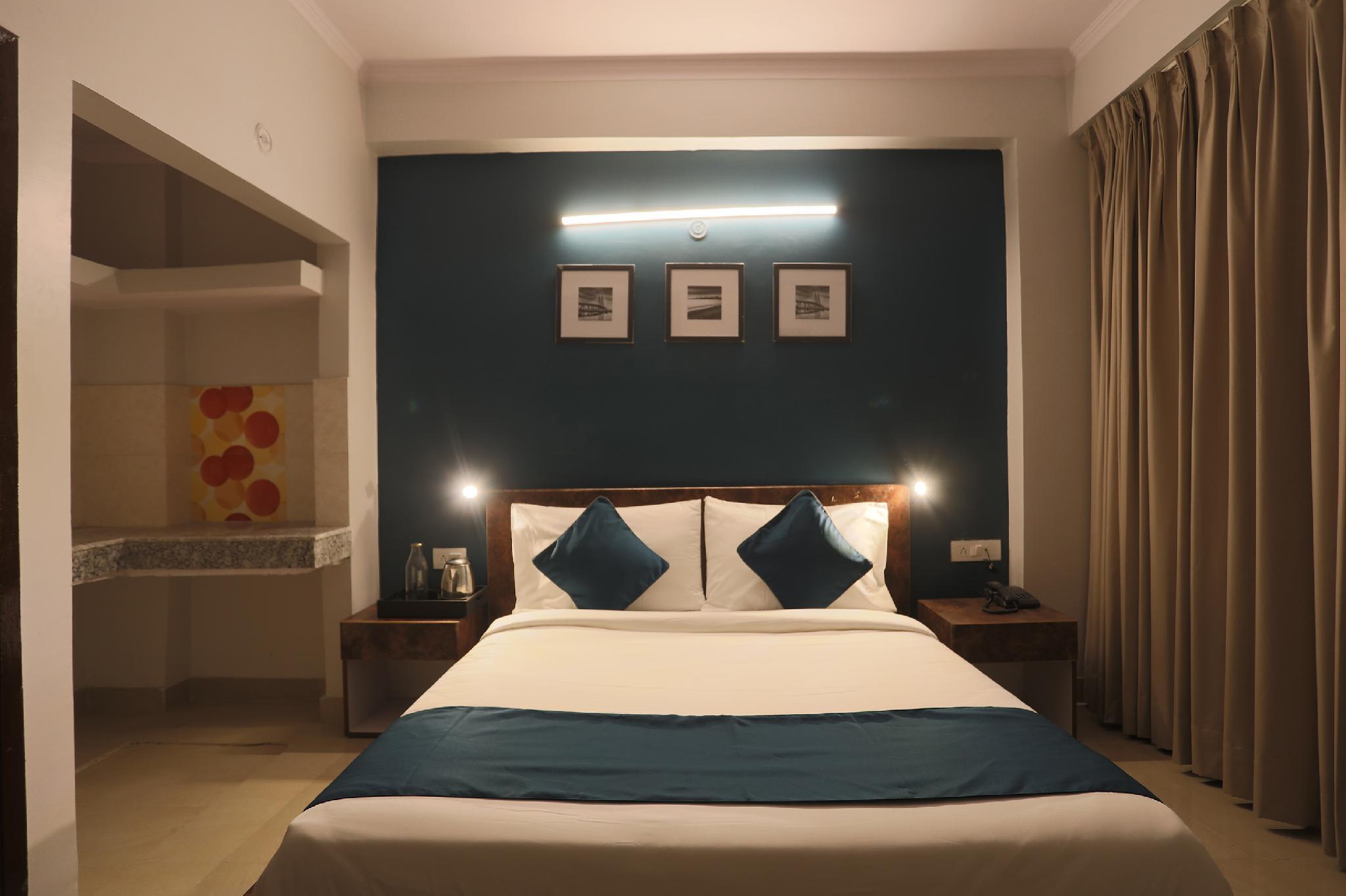 SilverKey Executive Stays 46142 Vinayak Road