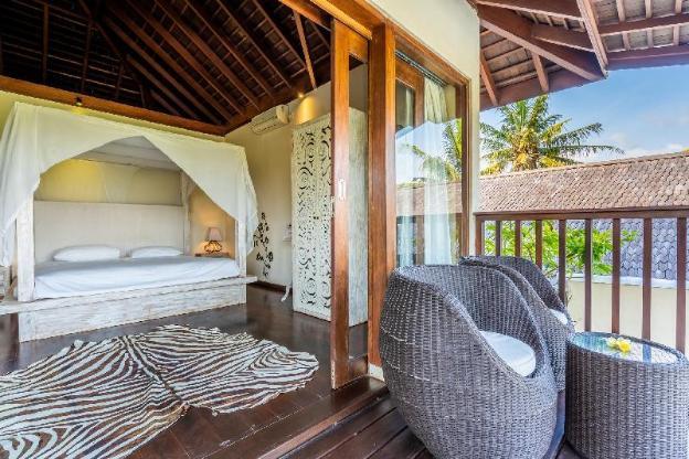 Beachfront 3+1/2 Bedrooms  Villa Yuyu