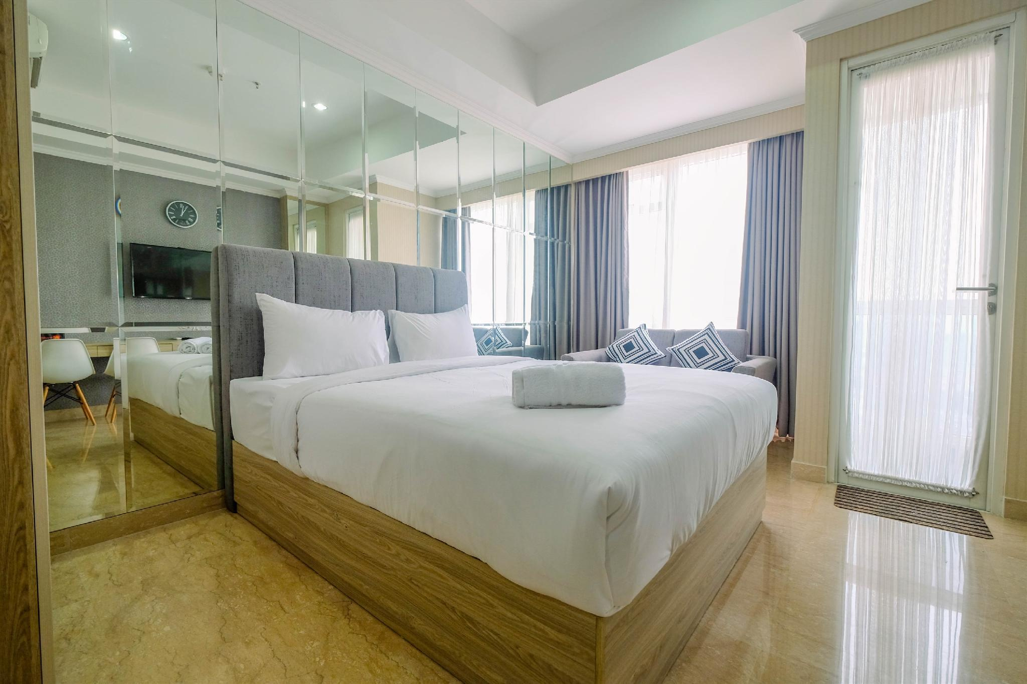 Modern Comfy Studio @ Menteng Park Apt By Travelio