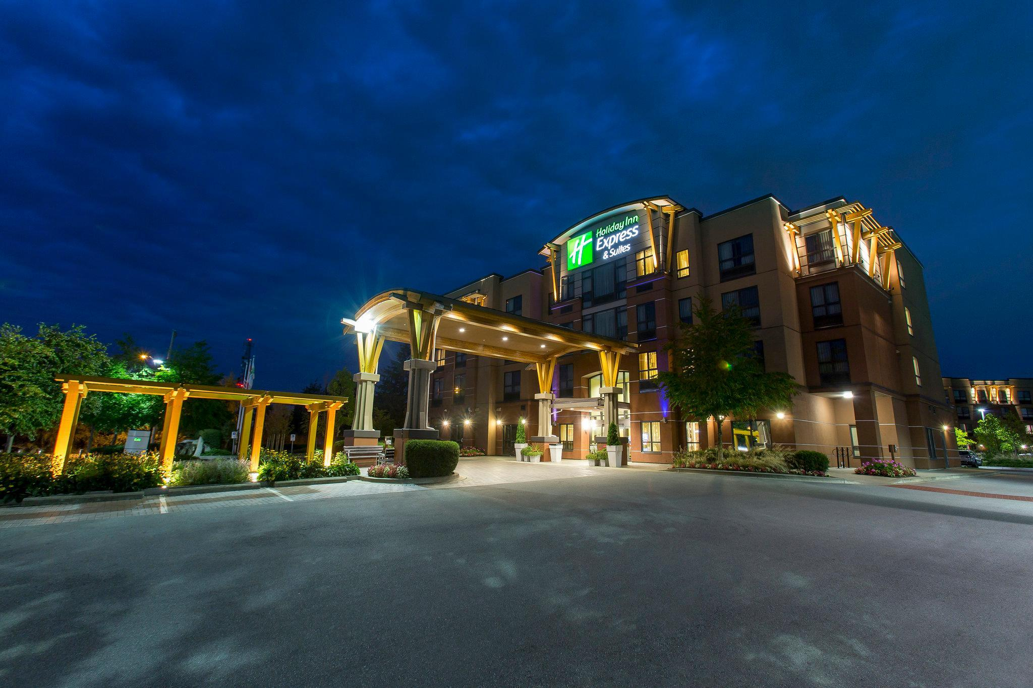 Holiday Inn Express And Suites Riverport Richmond