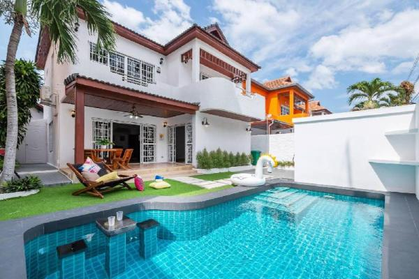 AnB PoolBar villa 3BR in downtown pattaya 10-12ppl Pattaya