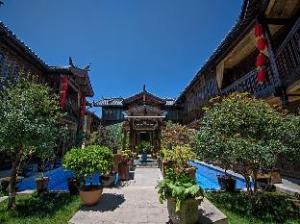 Lijiang Regina Inn