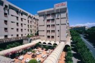 雷吉納瑪格麗塔酒店