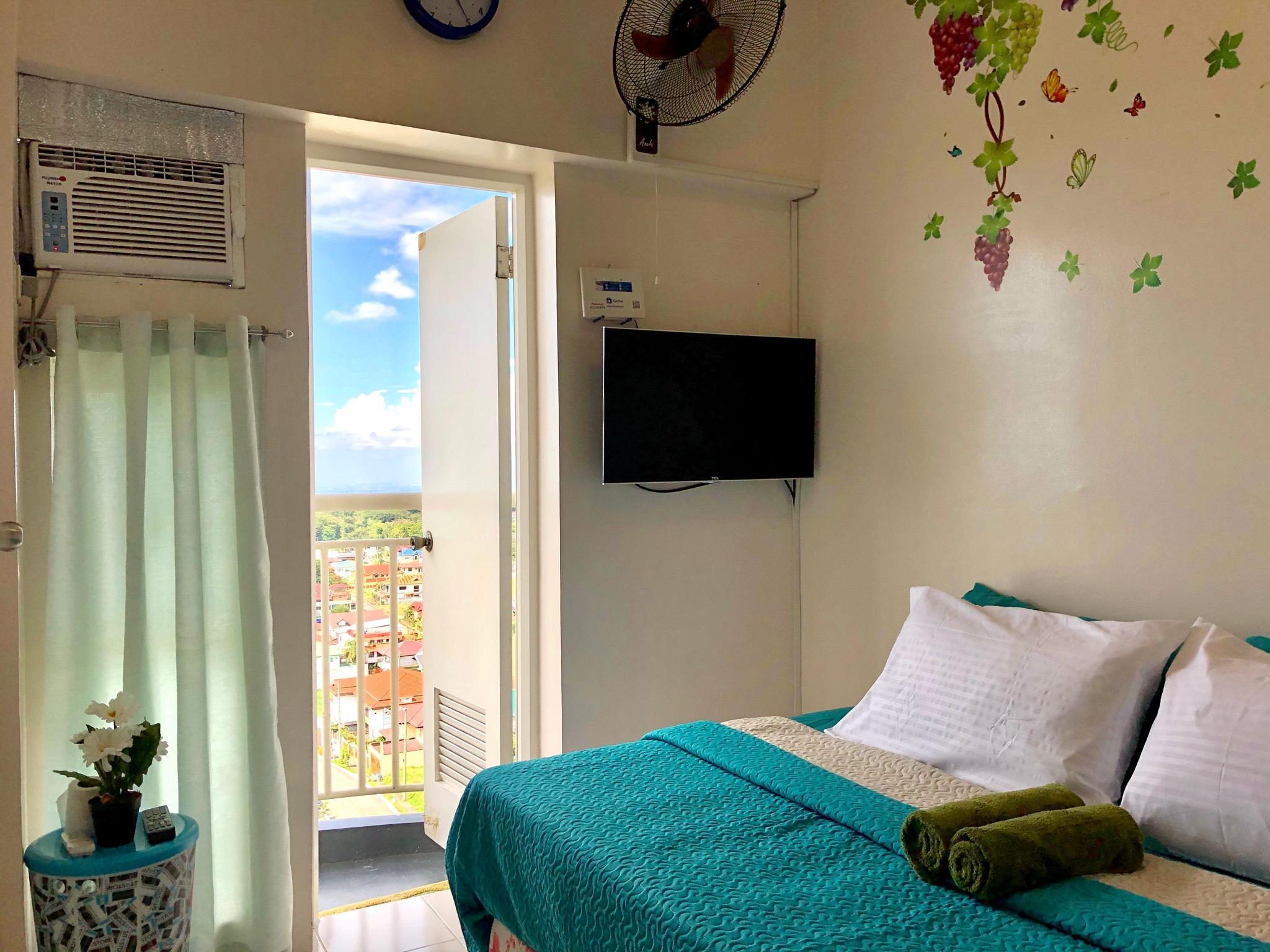 TP1 Tagaytay Prime 1BR WIFI Deluxe City Suite