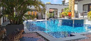 [パタヤ中心地]ヴィラ(1600m2)| 5ベッドルーム/4バスルーム Deluxe Four-Bedroom Villa Downtown Pattaya