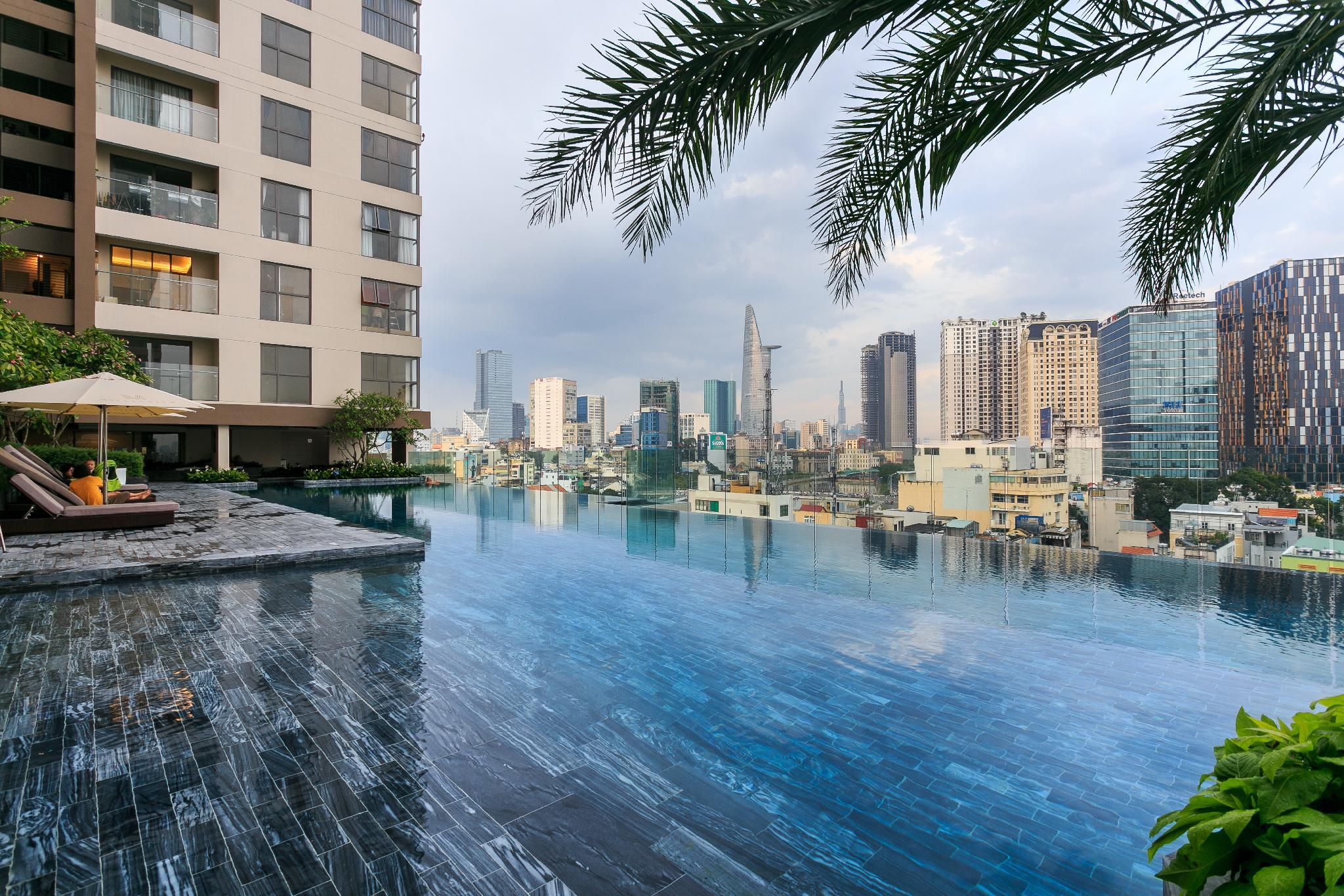 LUXURY 2 BEDROOM IN THE CENTRE   NEAR BEN THANH
