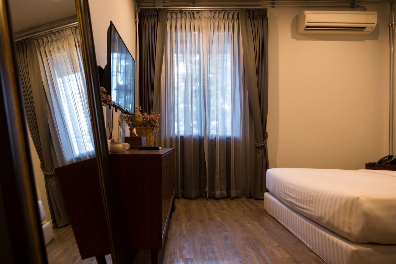 35SQM Room with Terrace near Night Bazaar อพาร์ตเมนต์ 1 ห้องนอน 1 ห้องน้ำส่วนตัว ขนาด 35 ตร.ม. – ไนท์บาร์ซา