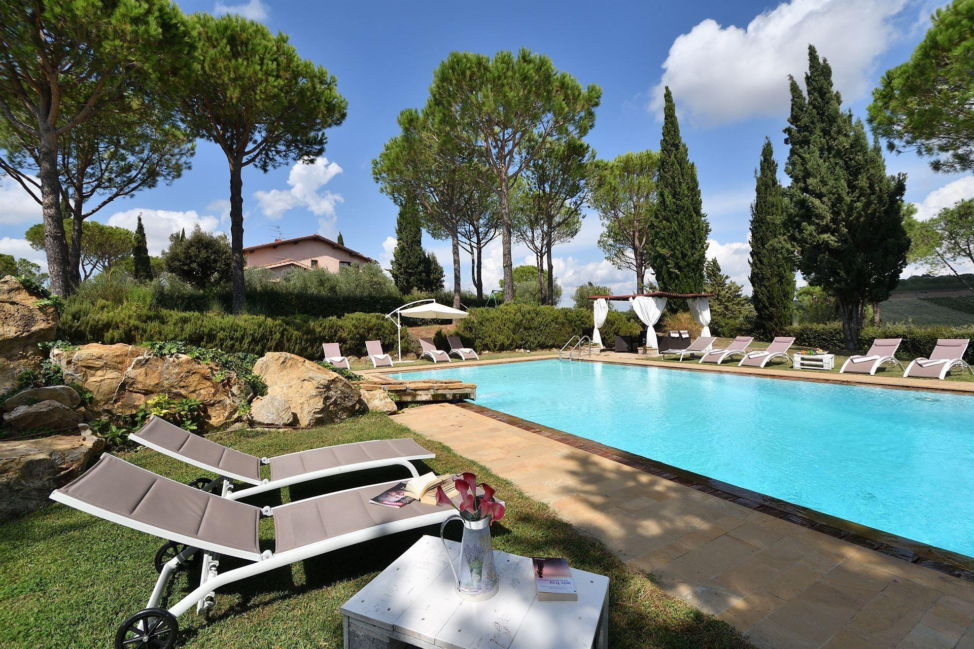 Charming Villa With Pool In Tuscan Vineyards