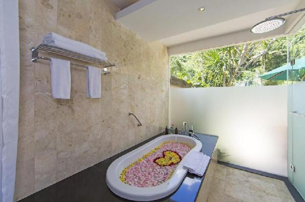 Luxury Pool Villa For Heightened Privacy & Comfort