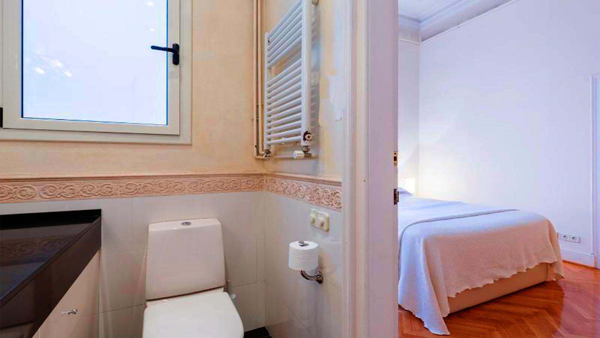 Luxury Modernist Apartment