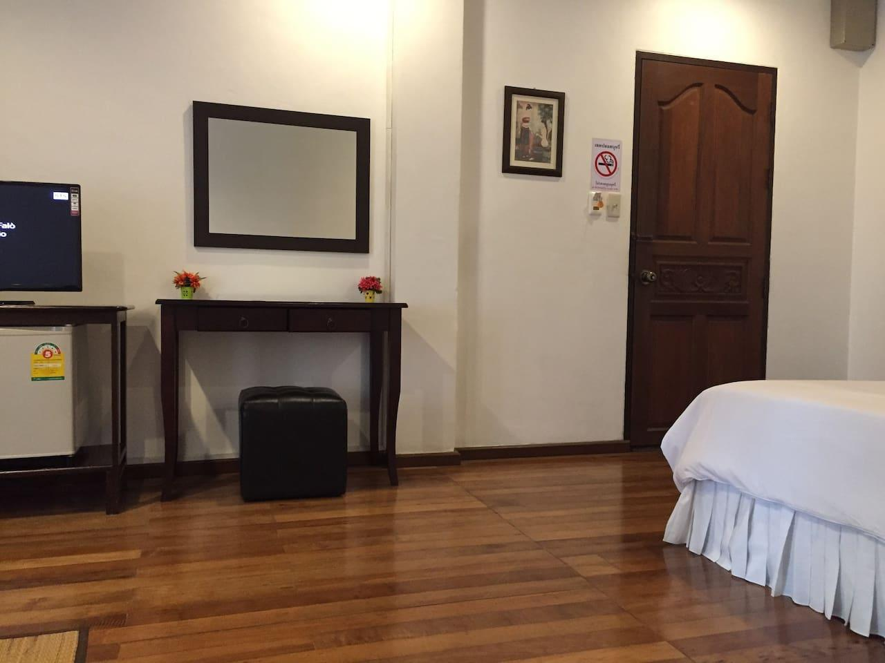 Nawaporn Place Double Bed