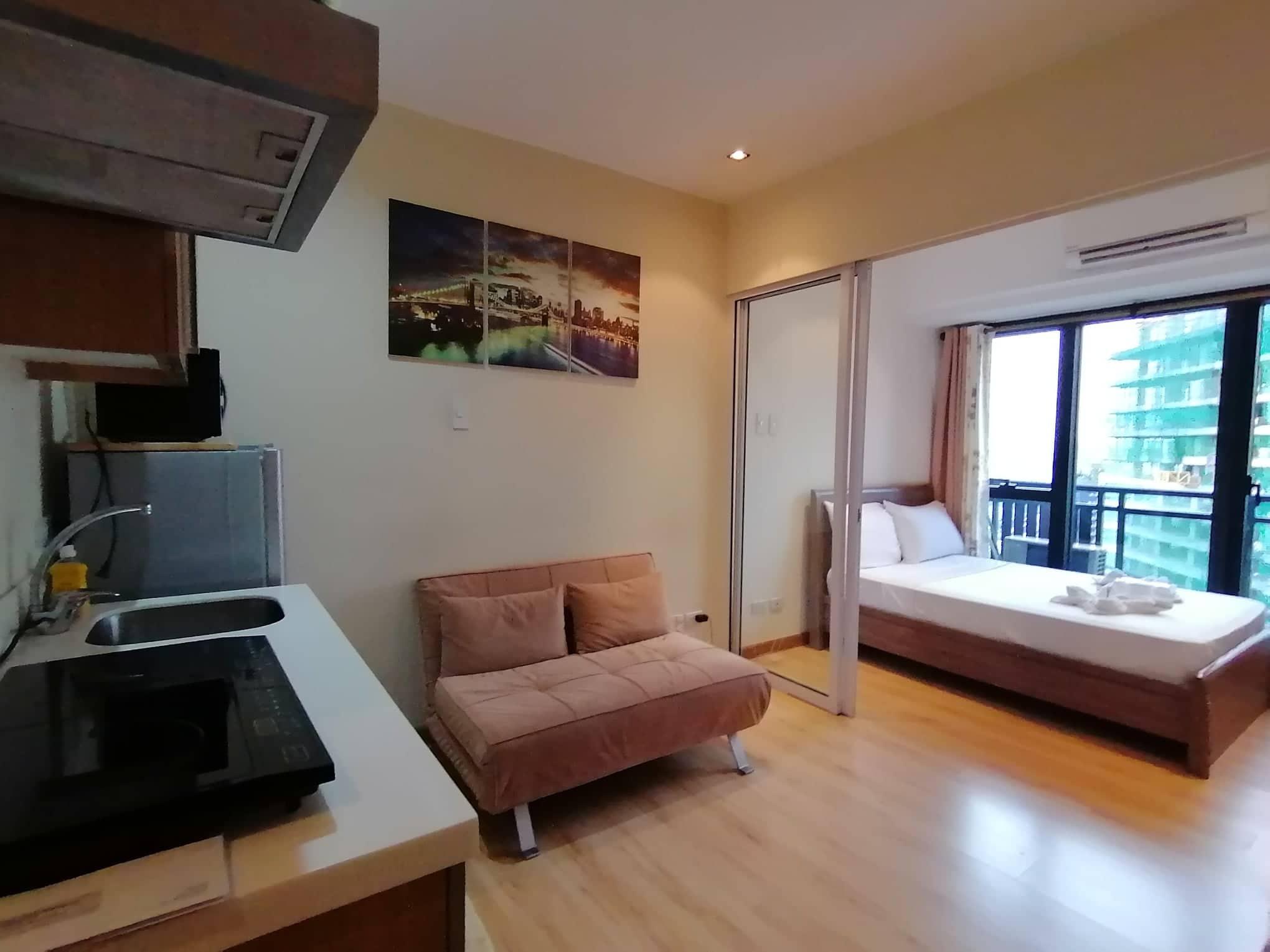 Happy Suites @ Knightsbridge Residences Makati