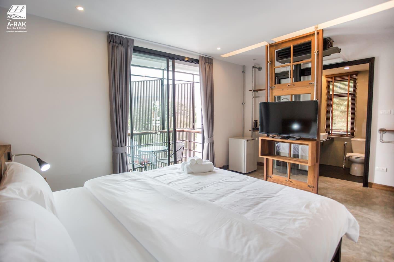 The arak bed bar and hostel mountain view 1 1 ห้องนอน 1 ห้องน้ำส่วนตัว ขนาด 30 ตร.ม. – เขตเมืองเก่า