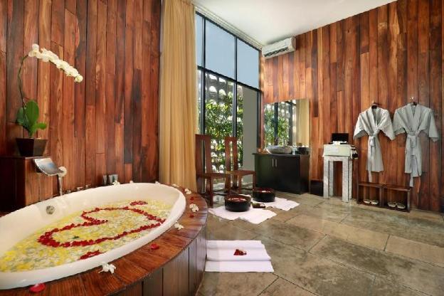 5BR Stunning Pep Luxury Villa + Hot Tub