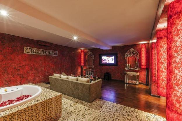 Spacious Duplex Villa Pool View-Breakfast+Hot Tub