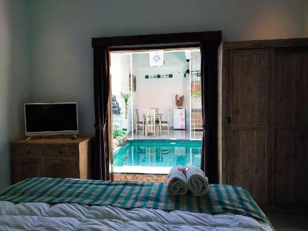 Light and Bright Romantic one Bedroom with pool