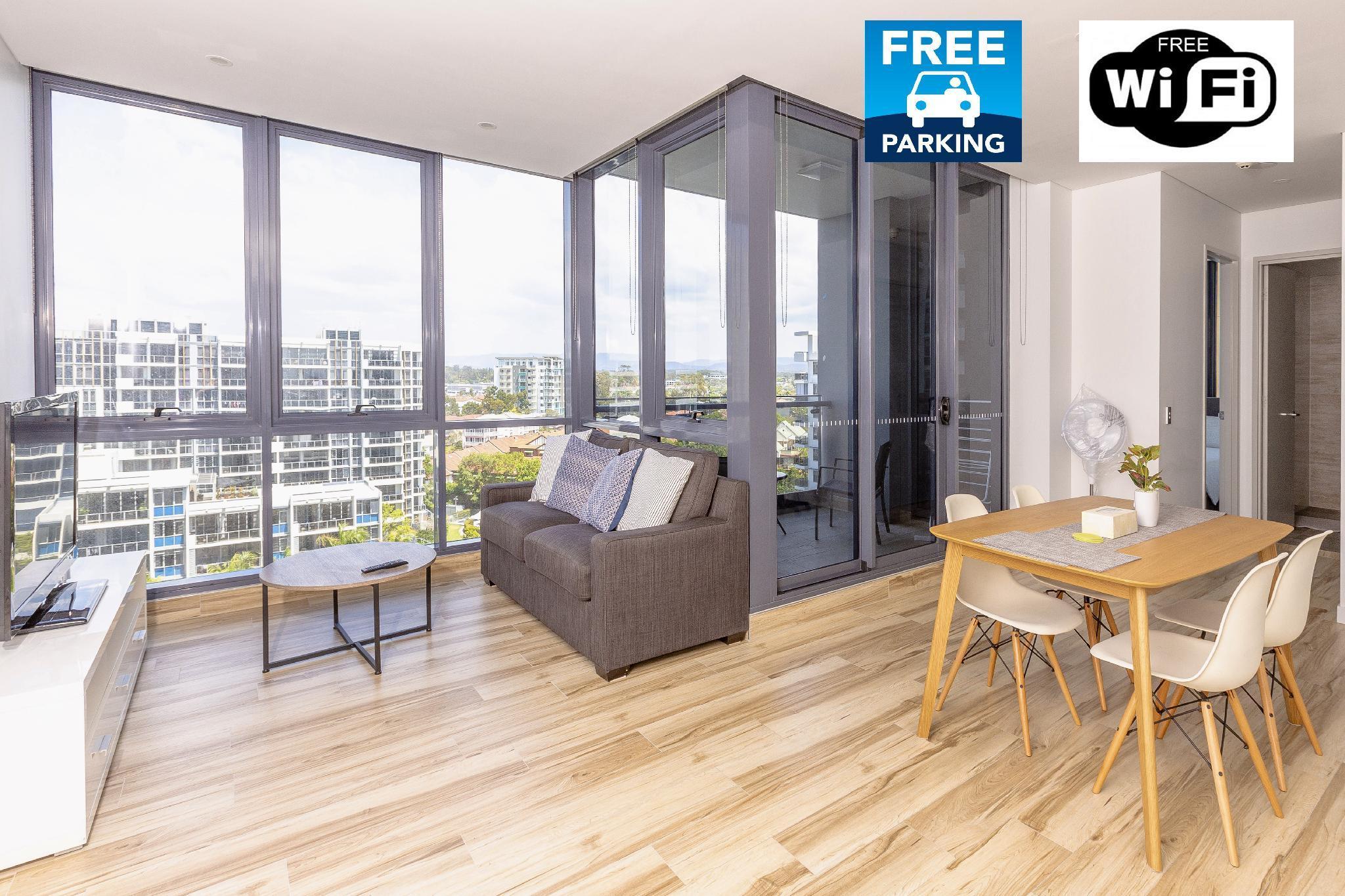 Luxury Modern Apartment In Meriton Southport