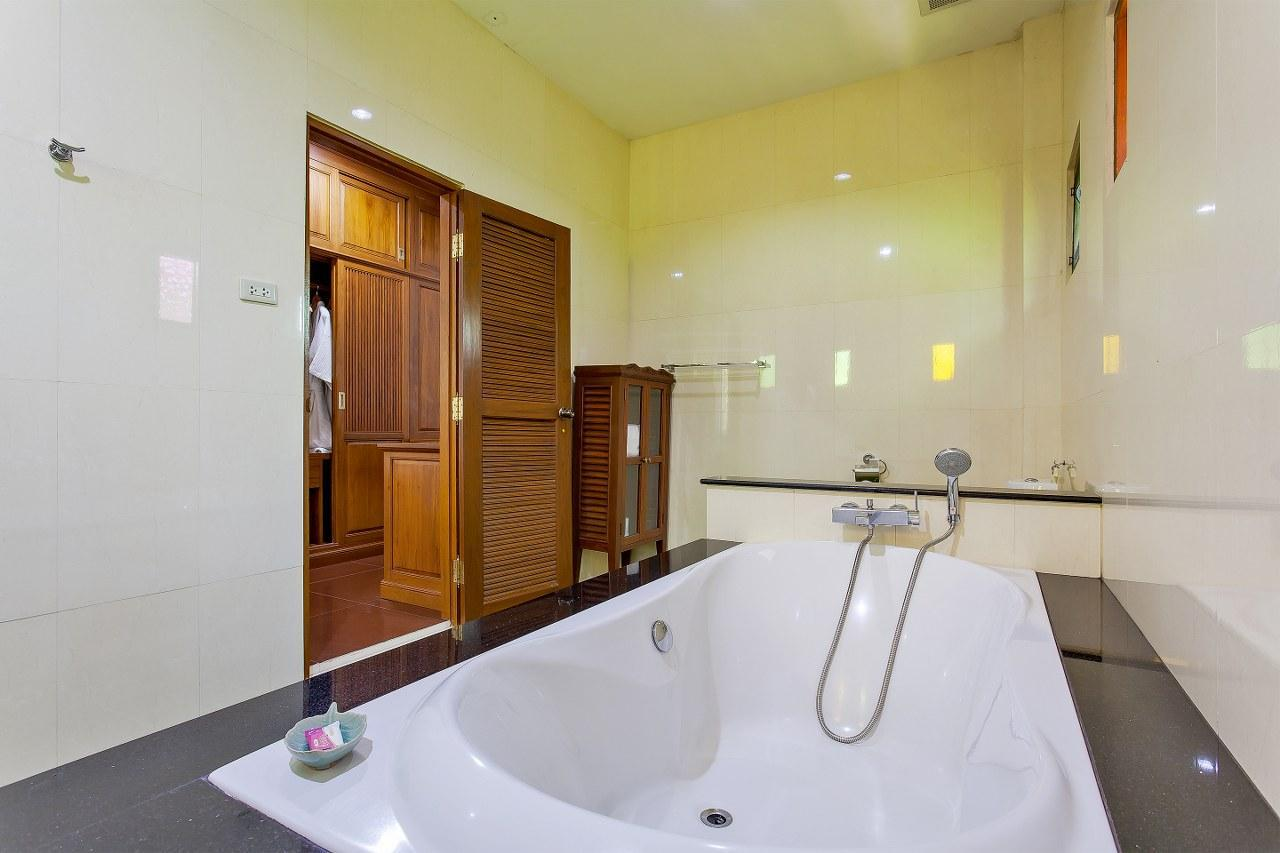 Country View Boutique Resort 11BR W 2 Pools & Gym