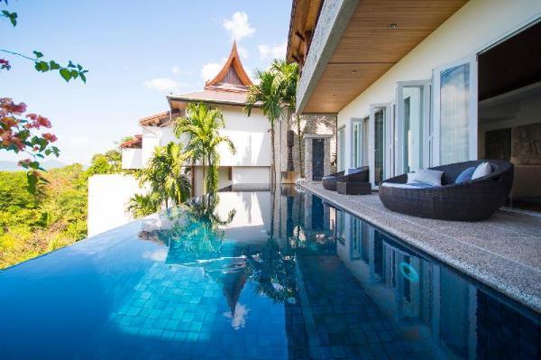 4-BR Seaview Villa with Large Pool at Surin Beach Phuket