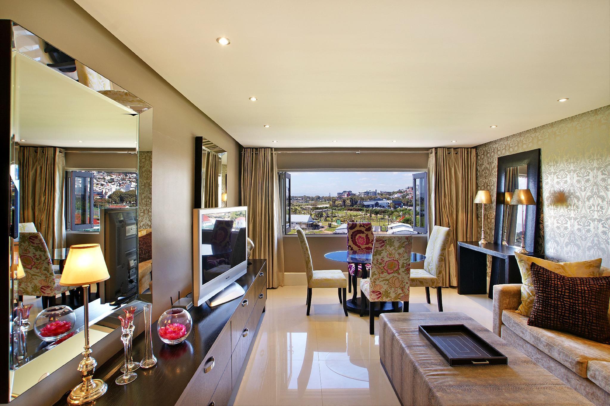 Luxurious 2 Bedrooms Green Park View Villa