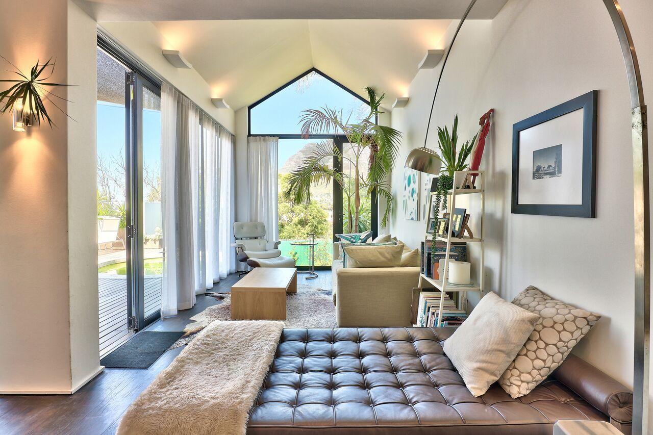 Luxury 2 Bedrooms Bath Street Villa