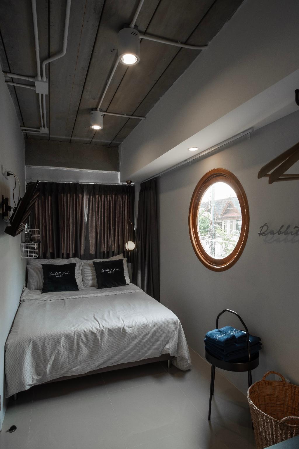 ON THE HIDDEN MOON (Standard Private Room) อพาร์ตเมนต์ 1 ห้องนอน 1 ห้องน้ำส่วนตัว ขนาด 25 ตร.ม. – ช้างเผือก