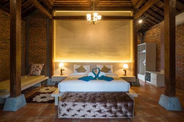 Joglo Suite Room +1-BR+Brkfst @(149)Gili Trawangan Lombok