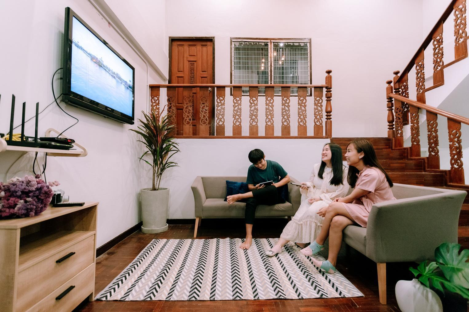 No.9HOUSE in Chiangmai cityNear NIMMAN NearAIRPORT บ้านเดี่ยว 3 ห้องนอน 2 ห้องน้ำส่วนตัว ขนาด 300 ตร.ม. – สนามบินเชียงใหม่