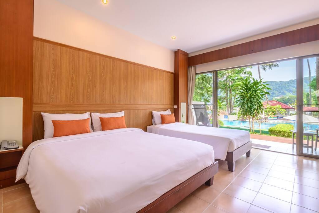 Triple Room @ Patong Lodge Hotel, Phuket. 1 ห้องนอน 1 ห้องน้ำส่วนตัว ขนาด 40 ตร.ม. – ป่าตอง