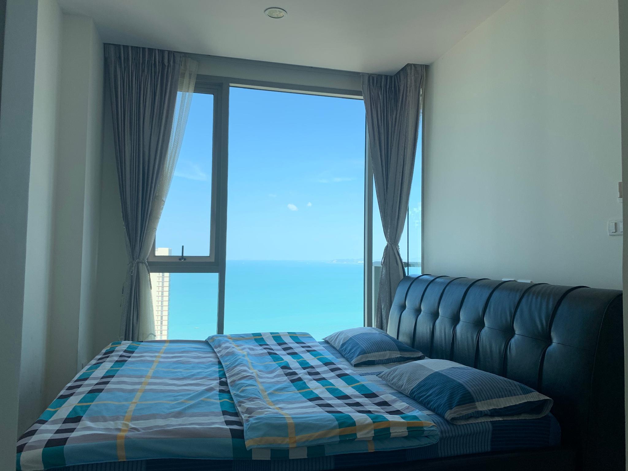 Golden Dream Seaview Apartment