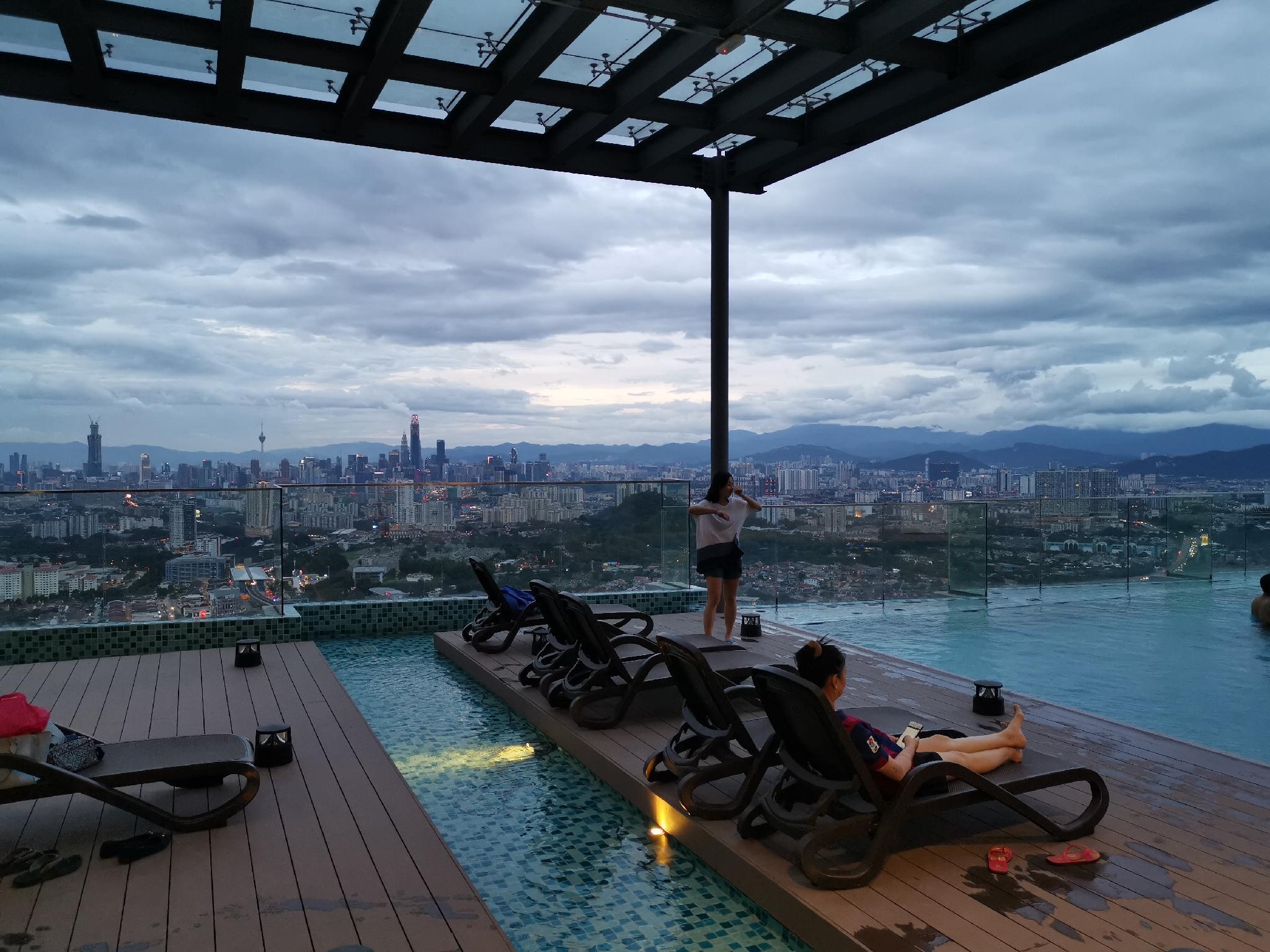 EkoCheras KLCC View Rooftop Pool MRT Direct Access