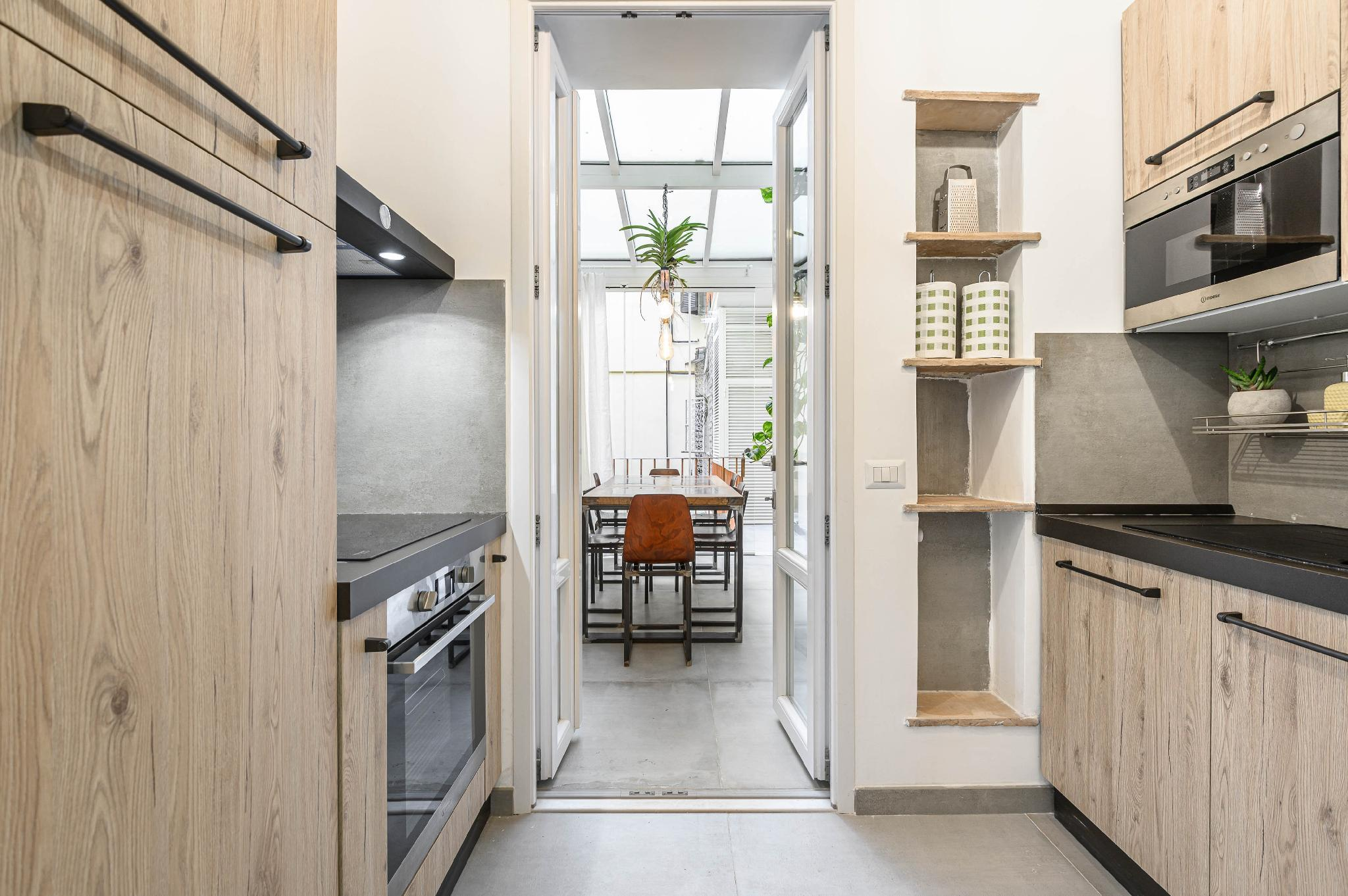 Industrial-Style Apartment Next To Vatican Metro
