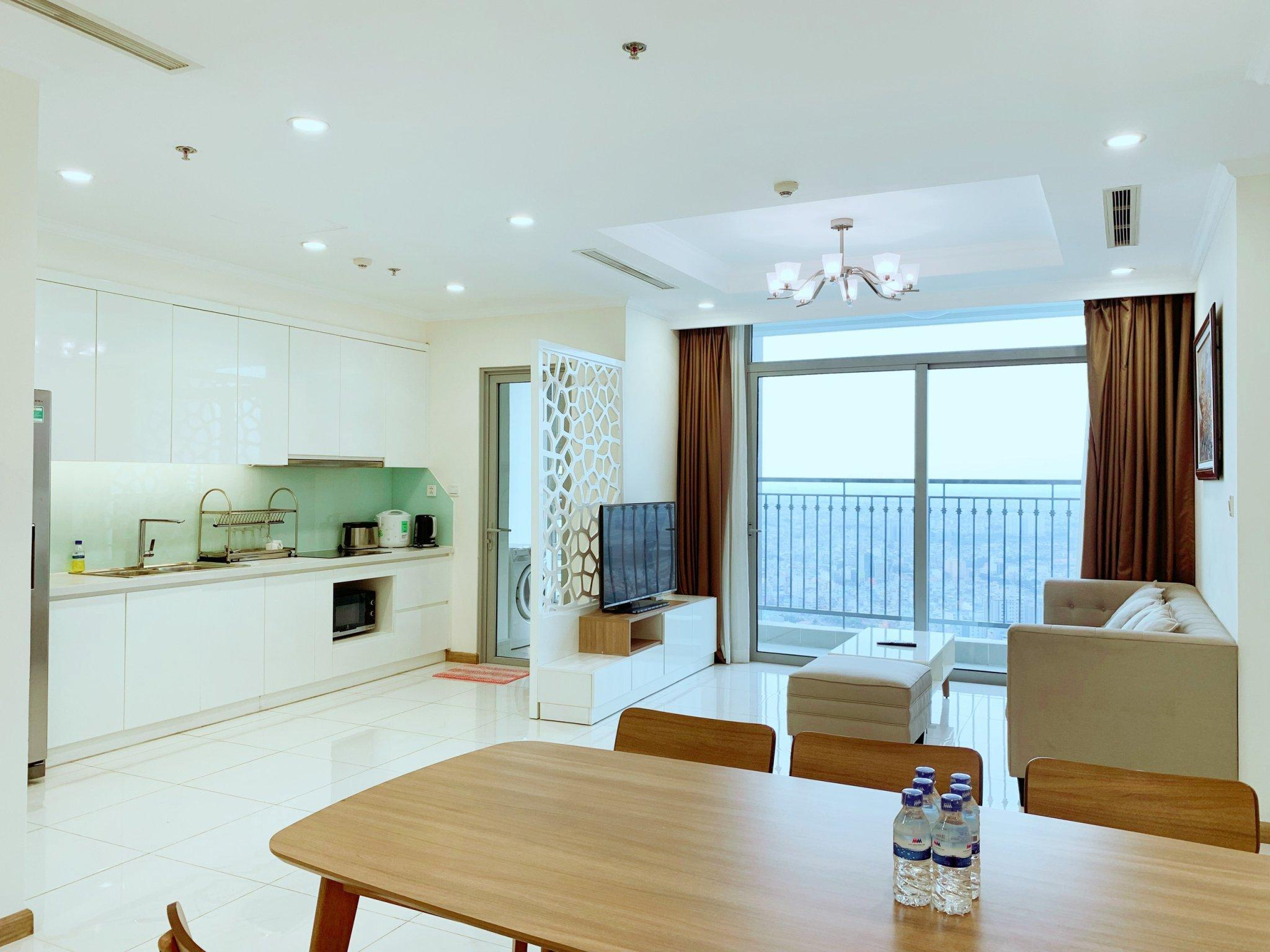 Spacious 3BRS City And River View At Vinhomes