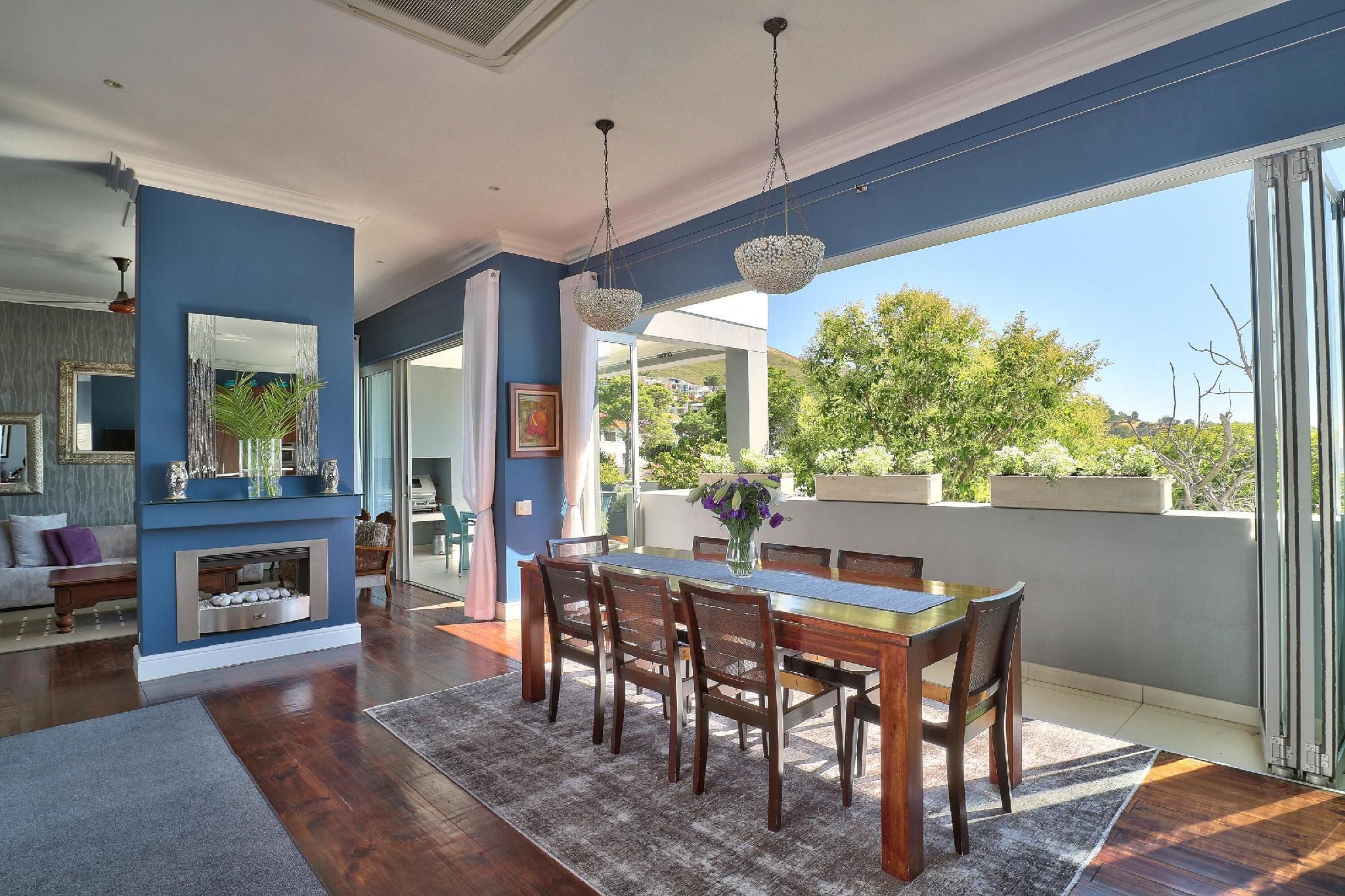Luxurious 4 Bedrooms Maudville Villa