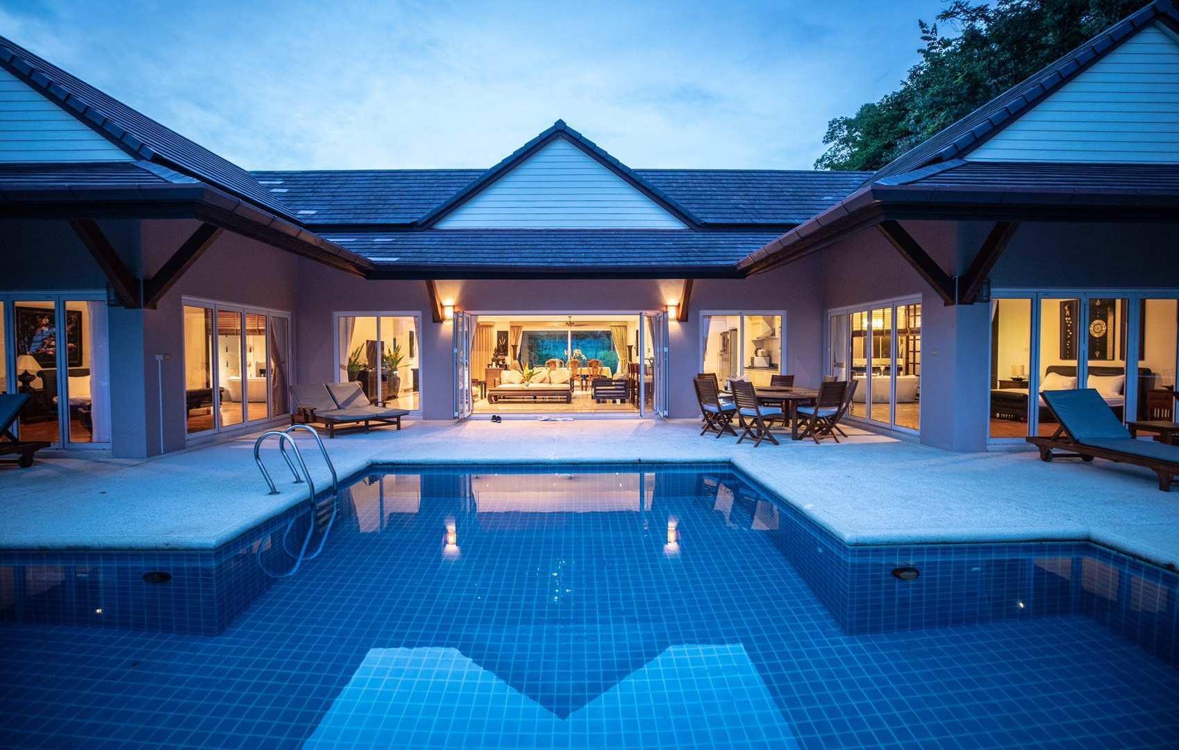4Br Villa With Big  Garden And Near Beach
