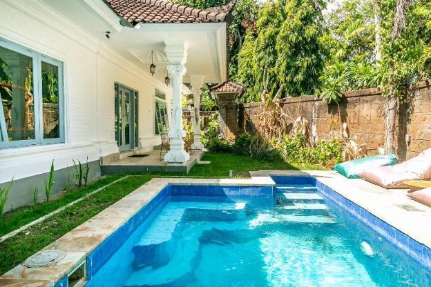 Private 2 bdrs villa / pool near Seminyak beach