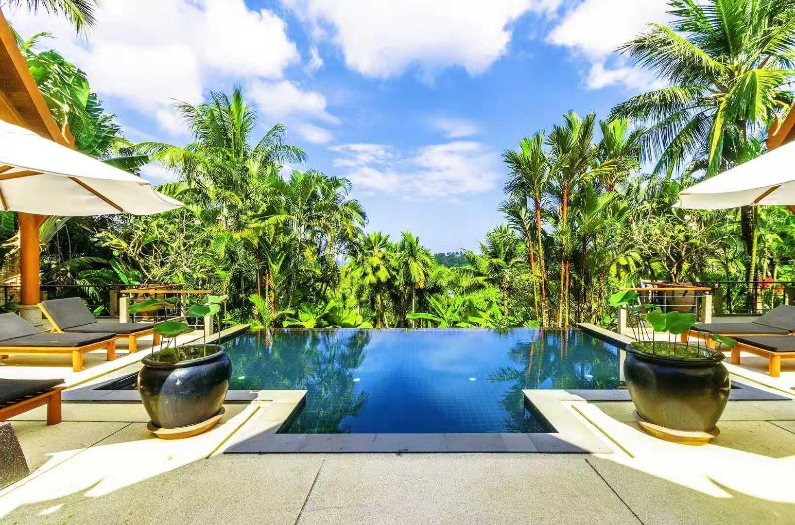 Luxury Four Bedroom Villa In Bangtao And Surin Beach