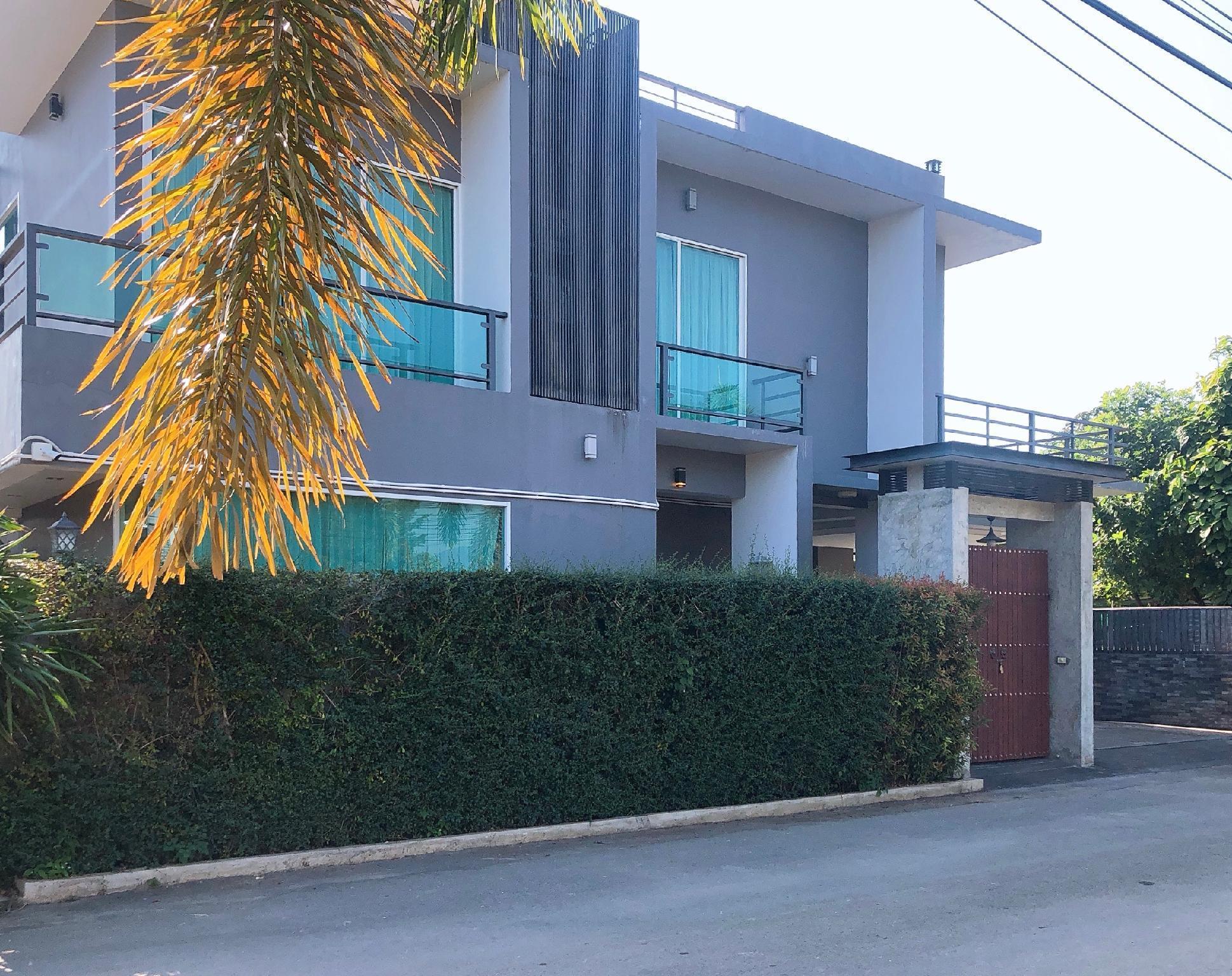 Water House Chiangmai วิลลา 4 ห้องนอน 4 ห้องน้ำส่วนตัว ขนาด 620 ตร.ม. – เจริญเมือง