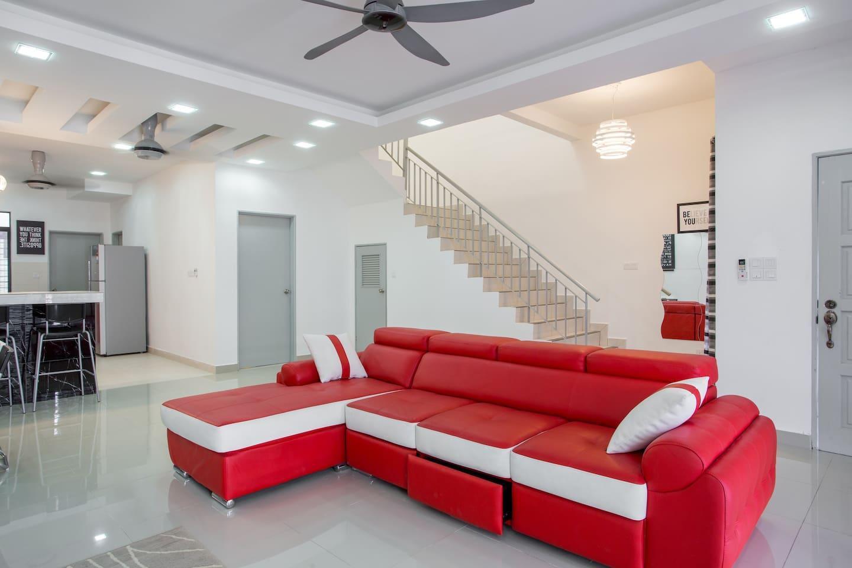 Aarisa Guest House At Saujana Rawang  FREE WIFI