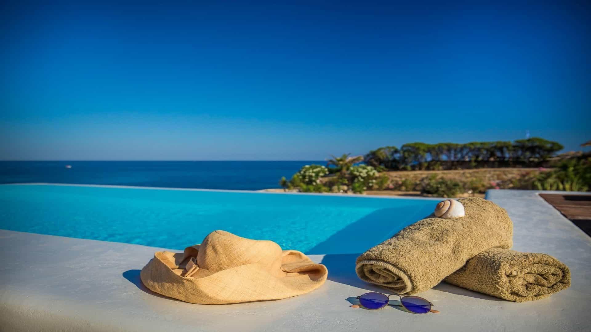 Villa Muse   Sea Front   Infinity Pool