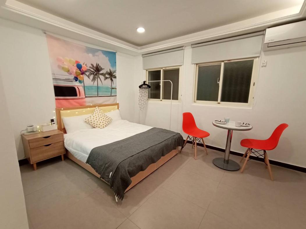 WC3828 2 Bedrooms Flat 6mins Ximen MRT