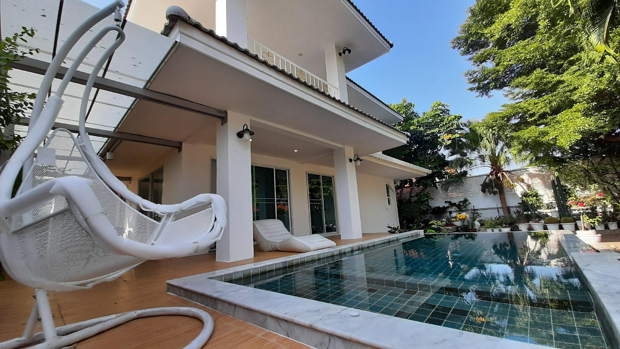 Family Villa w Saltwater & Kids Pool วิลลา 4 ห้องนอน 4 ห้องน้ำส่วนตัว ขนาด 400 ตร.ม. – สันทราย