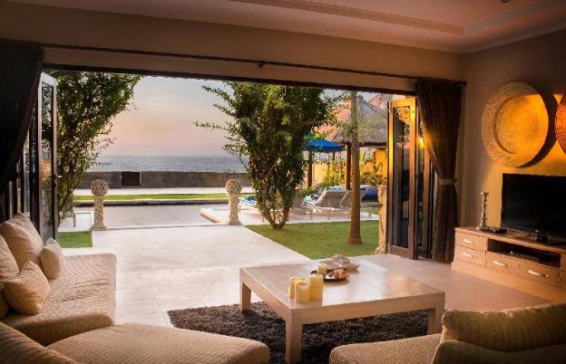 The beach front villa north bali