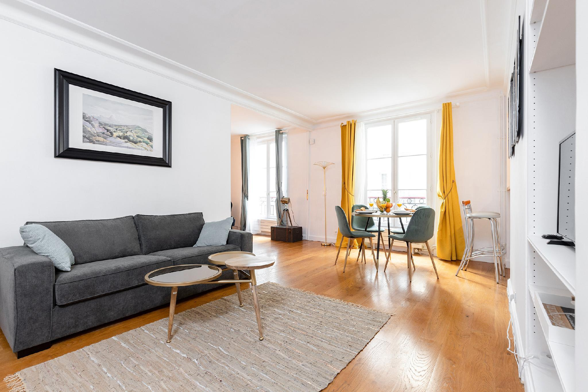 1BR NEAR THE  LOUVRE & SEINE- MOST CENTRAL PARIS
