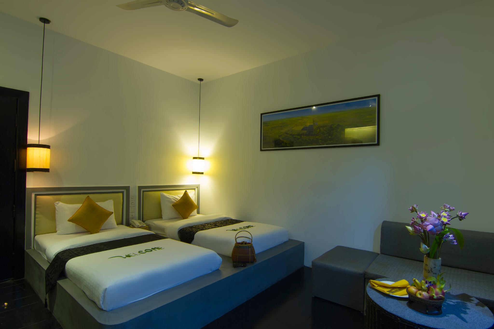 Private Deluxe Twin  Room 107    Free Pick Up