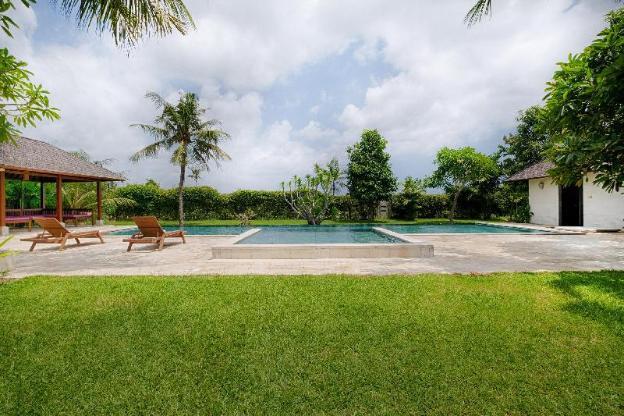 5BR.Kutus kutus Ketewel Villa Pool + Breakfast