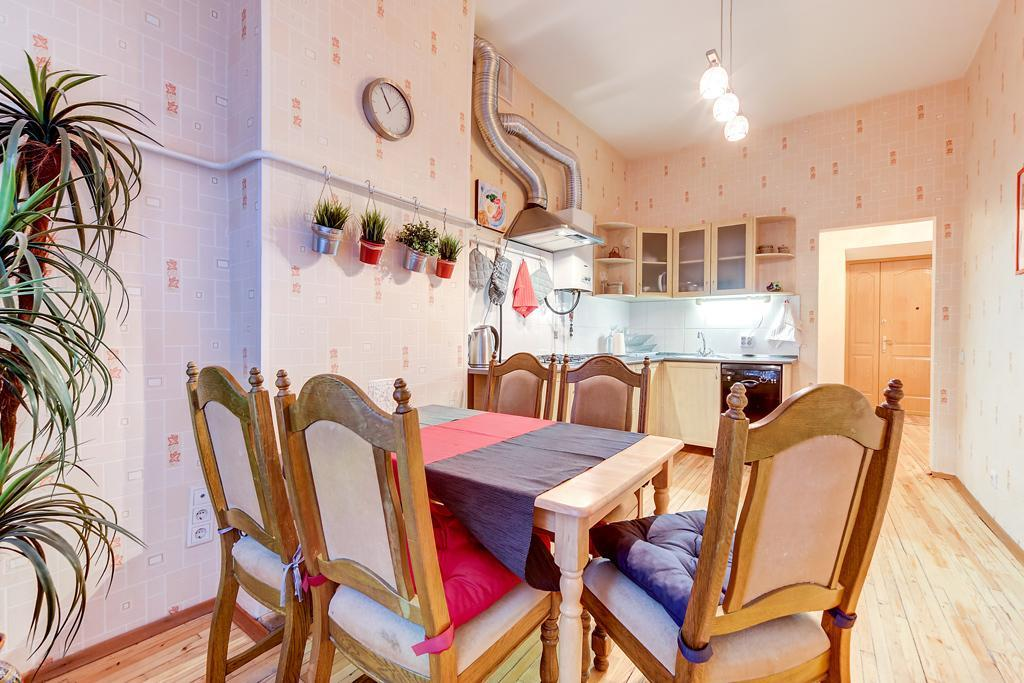 One Bedroom Apartment Near Palace Square