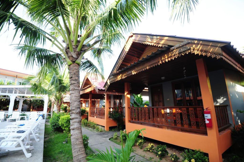 Exotic Bungalow Amazing Location, Phi Phi บ้านเดี่ยว 1 ห้องนอน 1 ห้องน้ำส่วนตัว ขนาด 125 ตร.ม. – อ่าวต้นไทร